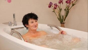 Koupele při samopláteckých pobytech